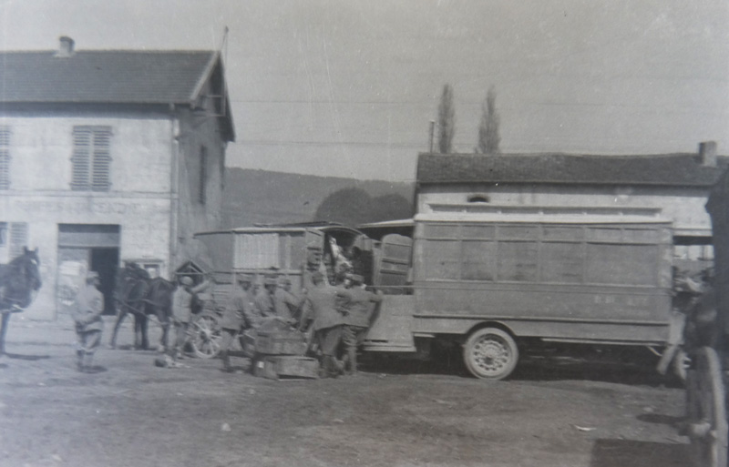 FAULX. Bus parisien utilisé par l'armée (Collection : Christine Moitry Sentex)