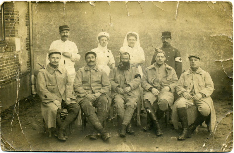 Photo à l'hopital 32 de St-Calais.1916. (Collection JP.Poly)