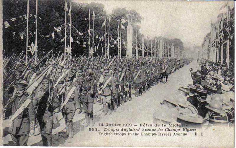 Soldats Anglais au 14 juillet 1919 (Collection Michel.T)