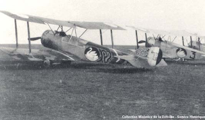 Sopwith escadrille-111.  (Collection Fernande.B)