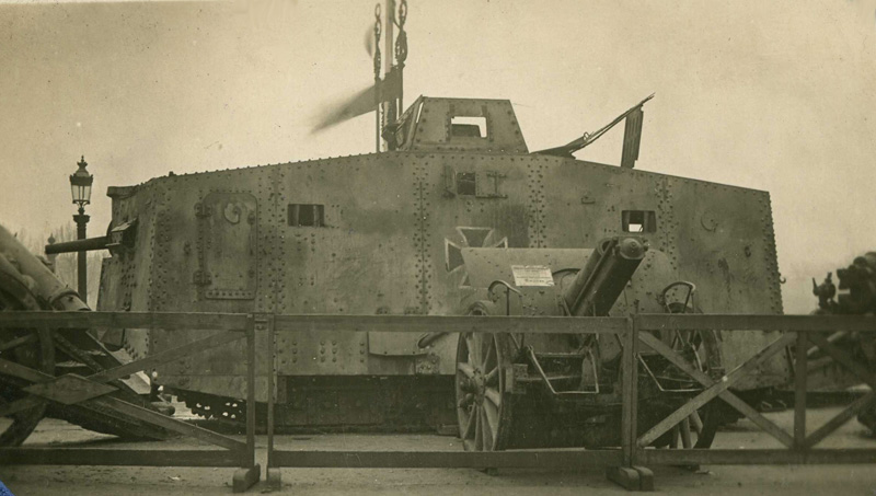 Char allemand : A7V. (Collection Patrice Lamy)