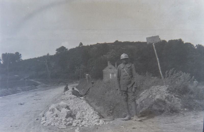 La Voie Sacrée, empierrement de la route de Bar-le-Duc à Verdun (Collection : Christine Moitry Sentex)