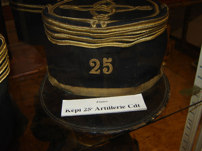 Képi du 25eme regiment artillerie.(Collection privée: A-R).