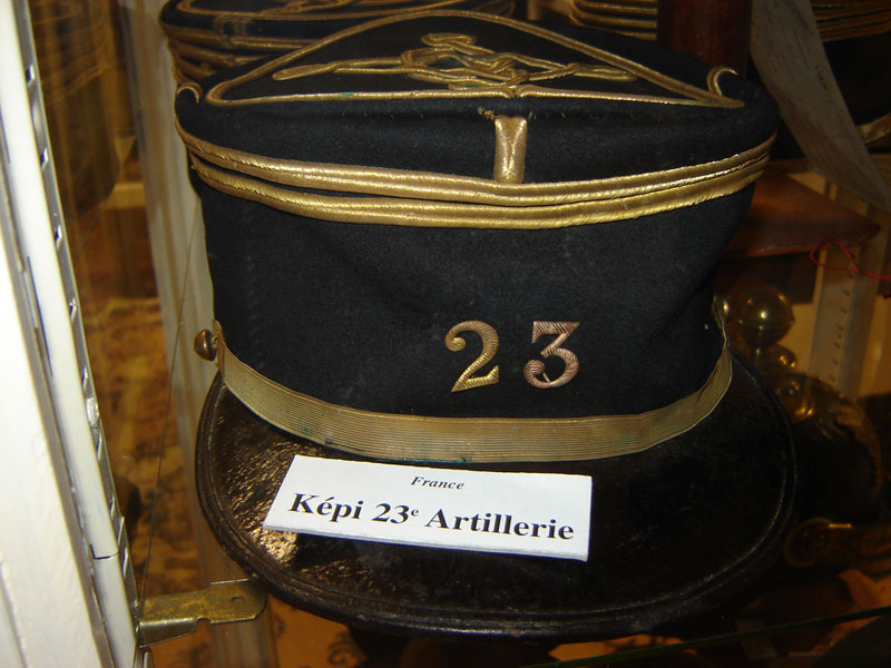 Képi du 23eme regiment artillerie.(Collection privée: A-R).