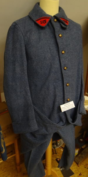 Manteau bleu horizon du 115e régiment artillerie (Collection-A.R)