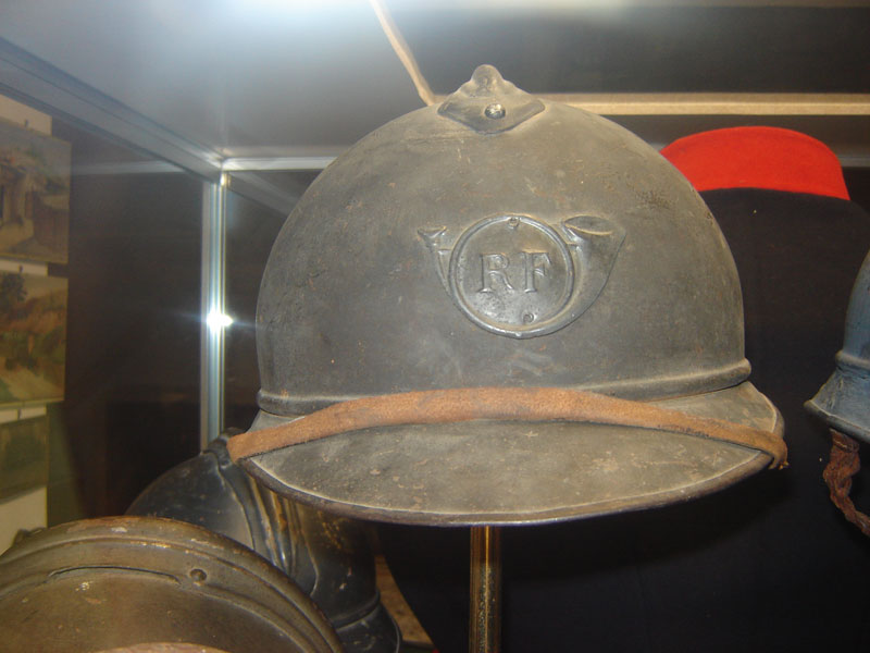 Casque Adrian de chasseur.(Collection privée: A-R)