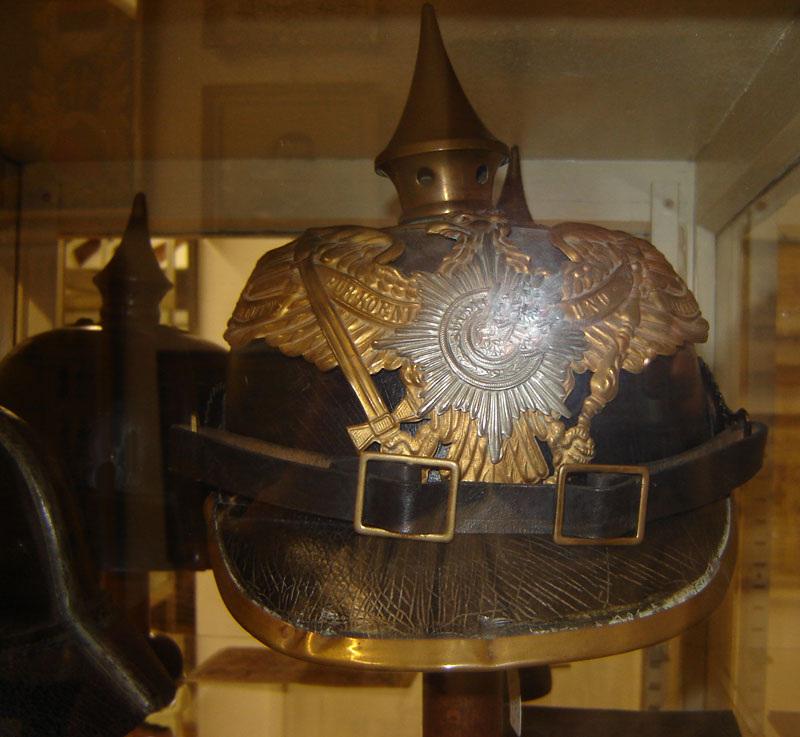 Casque infanterie de Prusse, régiment de la garde, modèle 1895 (Collection privee: A-R).