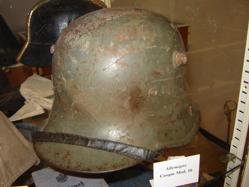 Casque allemand Mle 1916 (Collection privée: A-R)
