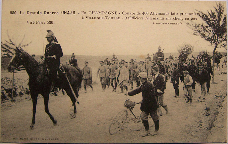 Champagne-Prisonniers allemands. (Collection Raymond)