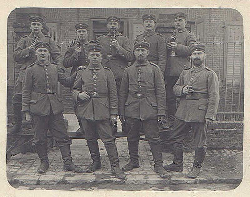 http://www.premiere-guerre-mondiale-1914-1918.com/image/uploader/uploadify/article/photo/95-soldats-allemands-16.jpg